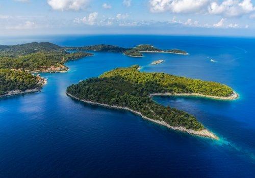 The islands of Mediterranean evergreen vegetation