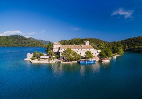 Heavenly island of Ogygia
